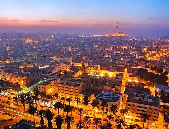 Rent a car in Morocco to make the road trip between Casablanca, Rabat and Fez